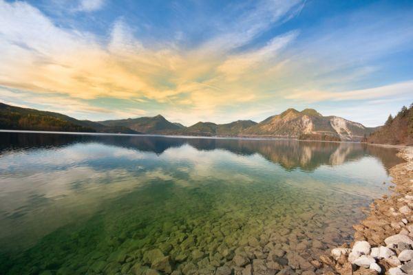 Außergewöhnliches Farbspiel des Walchensees