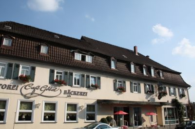 Unser kleines Hotel, Laubach