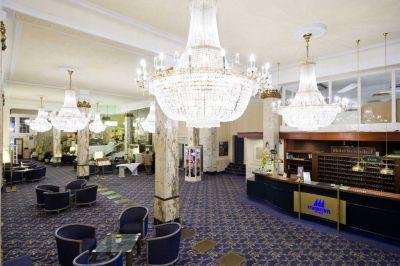 Hotel Reichshof Hamburg – CURIO Collection by Hilton