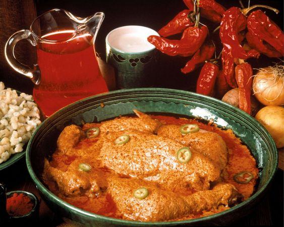 Kulinarische rundreise durch ungarn region puszta und thei see mit dem wurstfestival in for Ungarisches paprikahuhn