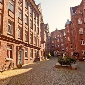 Burghof apartment ferien in backsteinarchitektur