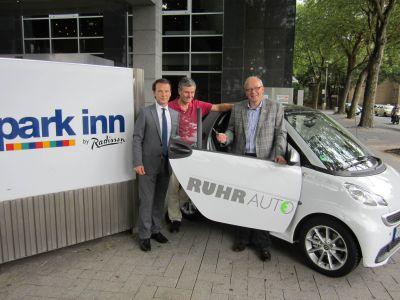 Park Inn by Radisson Bochum jetzt mit Elektroauto vor der Hoteltür