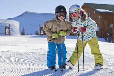"""Kids Ski Free"" in Keystone"