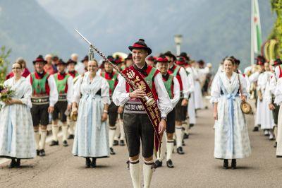 Von Almenfest bis Unkräutermarkt: