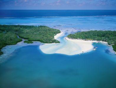 Mauritius feiert ganz in Weiß auf der Ile aux Cerfs