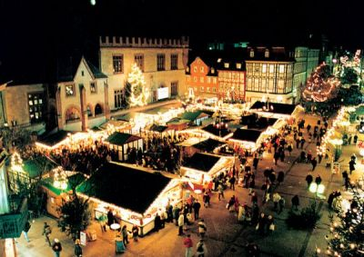 Weihnachtsmarkt und internationale Artistik in Göttingen