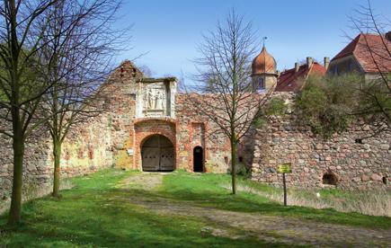 12. April: Renaissance-Burganlage Spantekow