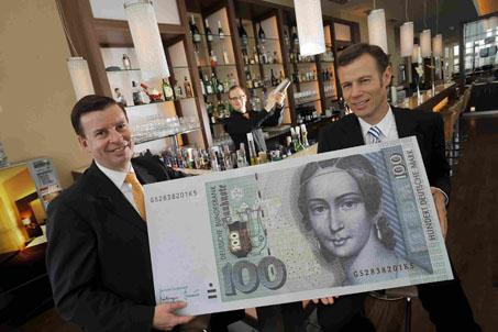 Fleming's feiert 60 Jahre Bundesrepublik Deutschland: