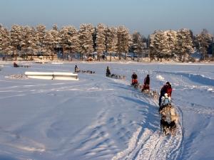 Langlauf, Schneeschuhwandern und Huskytouren