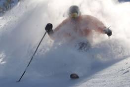 Per Pistenraupe zum Free Skiing