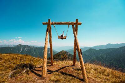 Swing the World – Schaukeln mit Aussicht im Tessin